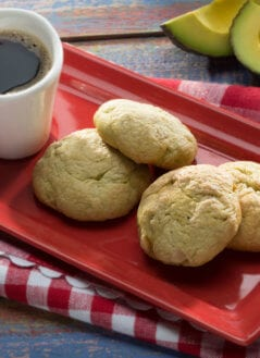 Mexican Avocado & Walnut Cookies