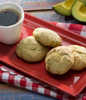 Walnut Cookies with Avocado